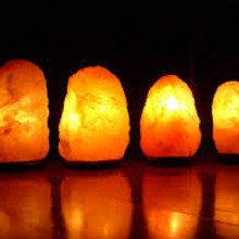 The Health Benefits of Himalayan Salt Lamps Include Cleaner Air, Sinuses and More