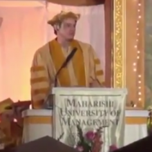 Actor and Comedian Jim Carrey Mocks Monsanto in Commencement Speech at Iowa College