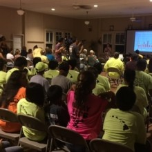 Over 100 Monsanto Employees Crash Doctor's Speech on Dangers of Pesticides in Hawaii