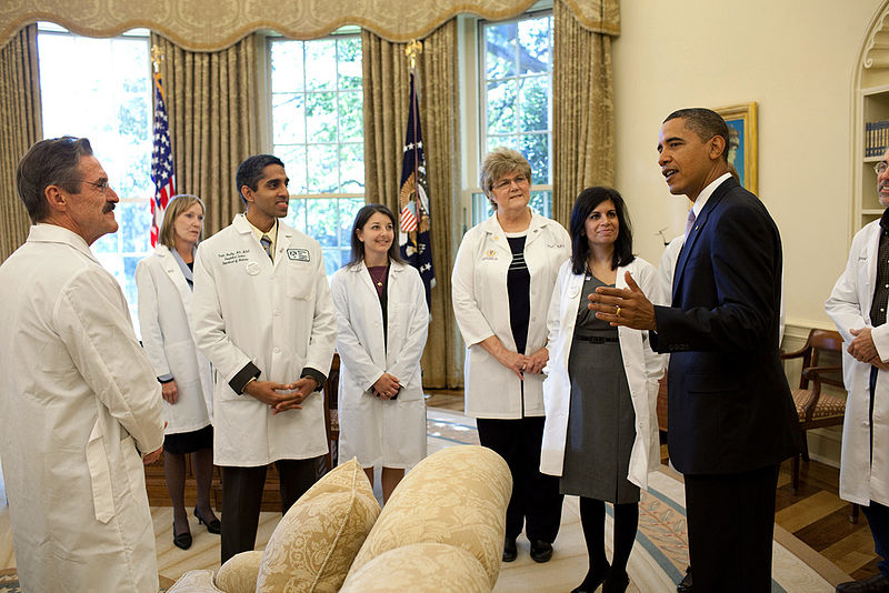 Doctors visit with Barack Obama. Do they really take enough nutrition courses in America? The data suggests that they do not.
