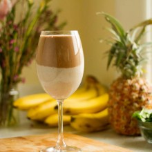 Nutribullet Recipe: The Two-Layer, Creamy Vanilla and Cacao Antioxidant Smoothie