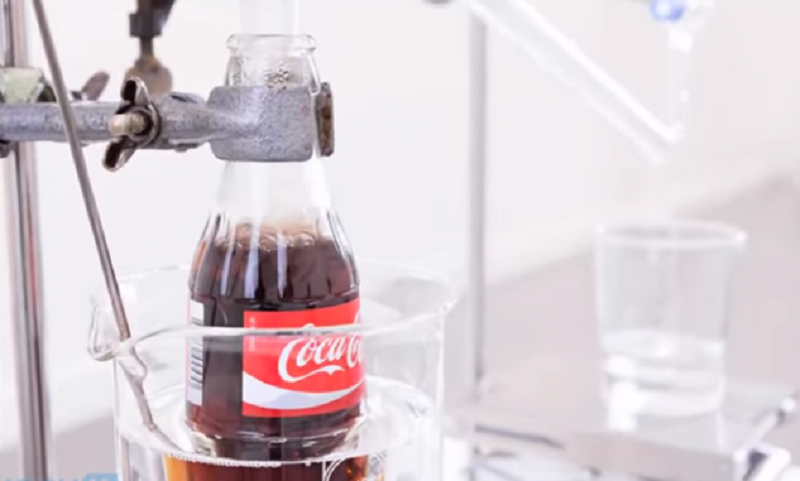 A Dutch inventor/artist created this machine in order to prove an important point about Coca Cola and water.