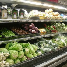Popular Grocery Store Chain Doubles Down on Organics, Could Steal #1 Spot from Whole Foods Soon