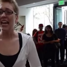 """You are Eating Violence!"" Emotional Vegan Activist Storms Into Busy Restaurant, Gives Impassioned Speech"