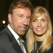 """I saw death in her eyes"" – Chuck Norris Warns about A Common Medical Procedure That Almost Killed His Wife (Millions of Americans Undergo It Every Year…)"