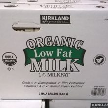 Investigation Into United States' Biggest Organic Milk Companies Accused of Being a Sham