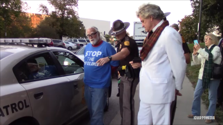 gmo protesters iowa arrest